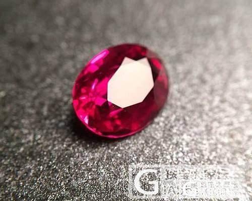 【宝石百科】7月生辰石——红宝石_莫桑石珠宝名贵宝石