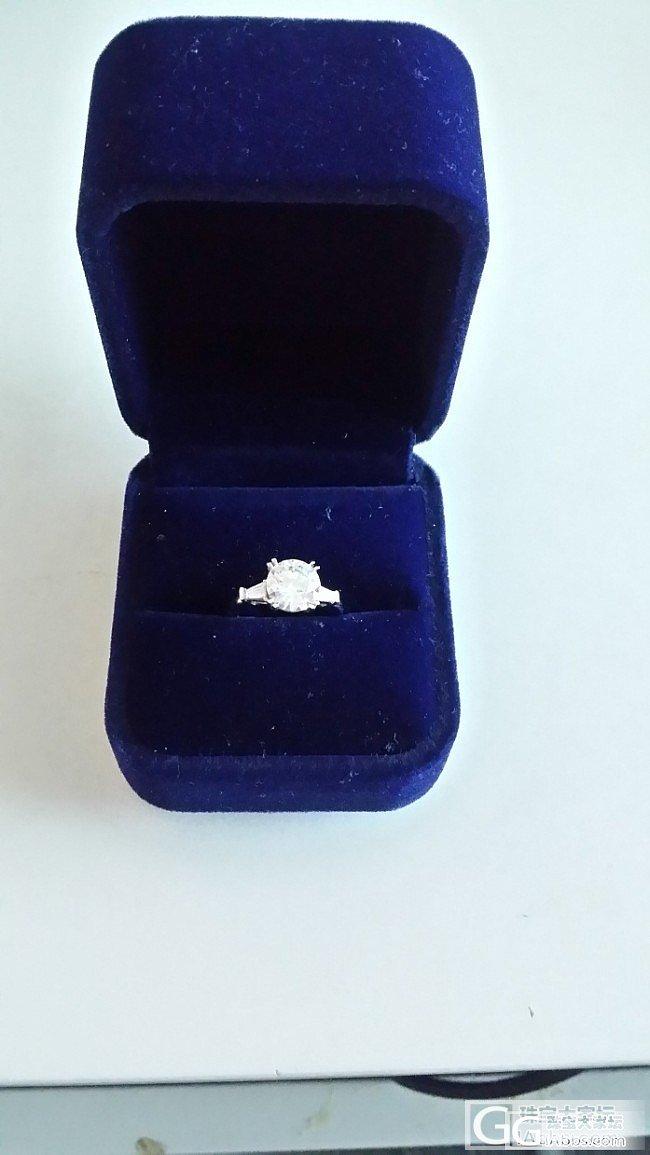 钻戒镶好了,裸石来自enchante..._钻石