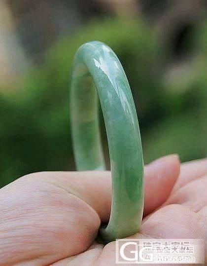【花好月圆翡翠阁】甜美淡绿手镯两件!!_翡翠