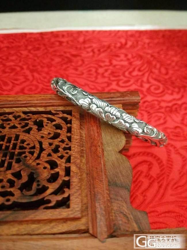 杨家的闭口镯子,刻字都是放外圈的吗?_手镯银