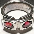 红色宝石银戒指